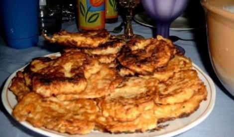 Kartupeļu pankūkas ar biezpiena mērci