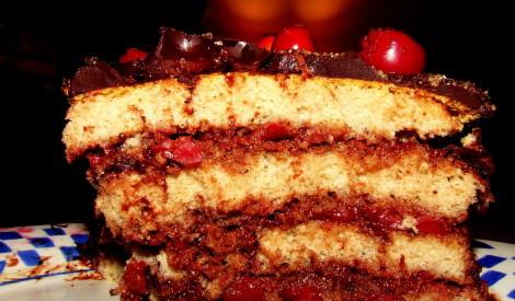 Šokolādes - ķiršu kūka