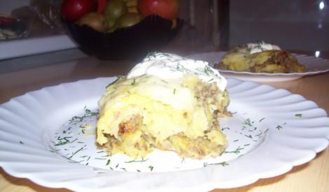 Kartupeļu mīceknis sacepumā ar malto gaļu