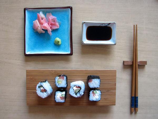 Suši ar lasi un gurķi