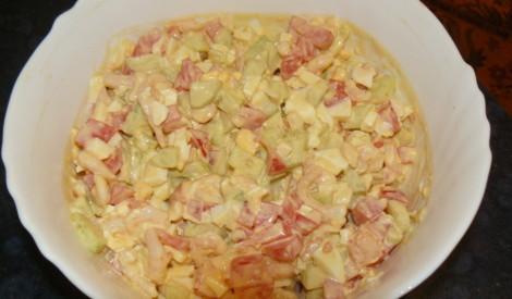 Garneļu salāti turku gaumē