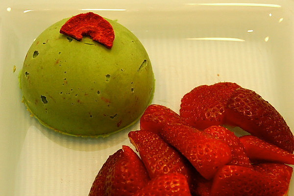 Zaļās tējas (matcha) un kondensētā piena saldējums