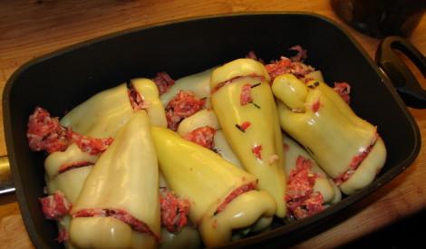 Pildīti pipari pēc klasiskas receptes