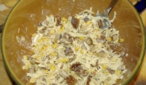 Maizes - kukurūzas  salāti