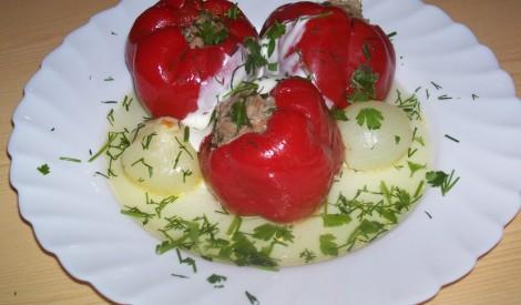Sarkanā tveice - pildīta paprika ar malto gaļu