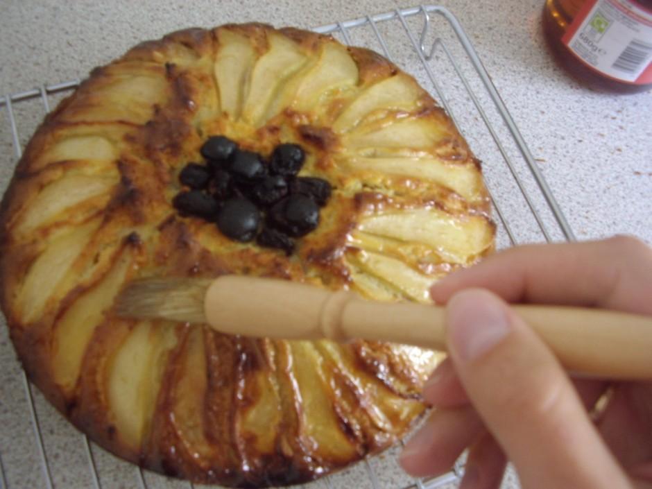Cep 180C apmēram 1h. Kad pīrāgs gatavs, izņem no cepeškrāsns...