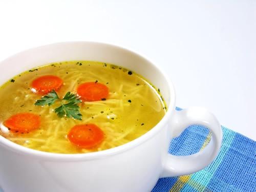 Vistas zupa ar makaroniem un seleriju