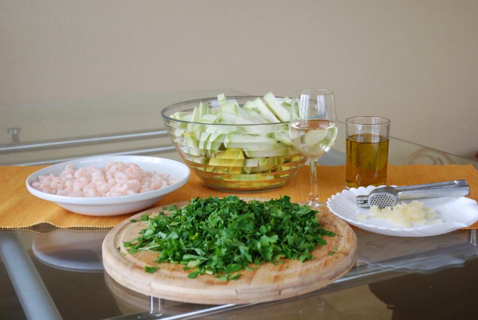 100 gramos olīveļļas, sautē kabačus 15 min.