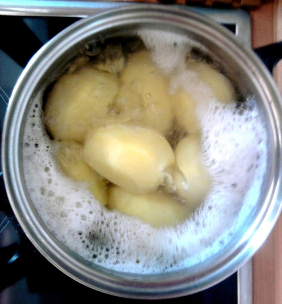 Novāram veselus kartupeļus: