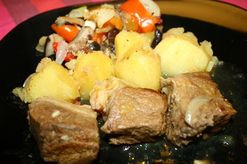 Hašlama- jēra gaļa armēņu gaumē