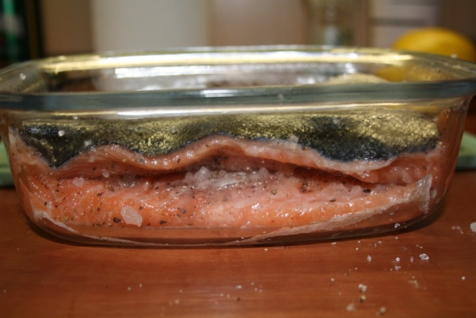 Šādā veidā vajadzētu zivi paturēt ledusskapī vismaz 12 stund...
