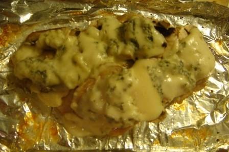 Cepta vistas fileja ar šampinjonu un zilā siera cepurīti
