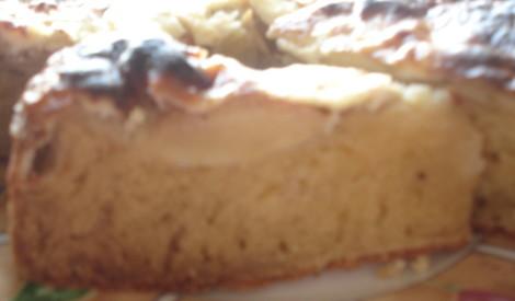 Ābolu - biezpiena pīrāgs