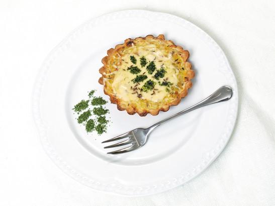 Jauno kabaču un jāņu siera tartes (sāļie groziņi)