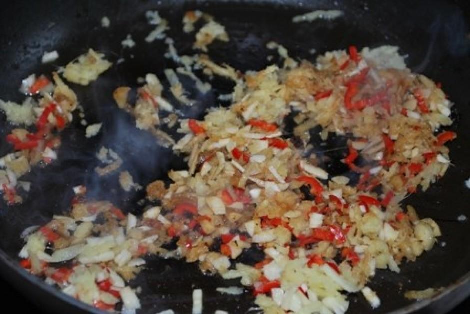 ķiploka daiviņu daudzums ir atkarīgs no tā, cik asu ēdienu v...