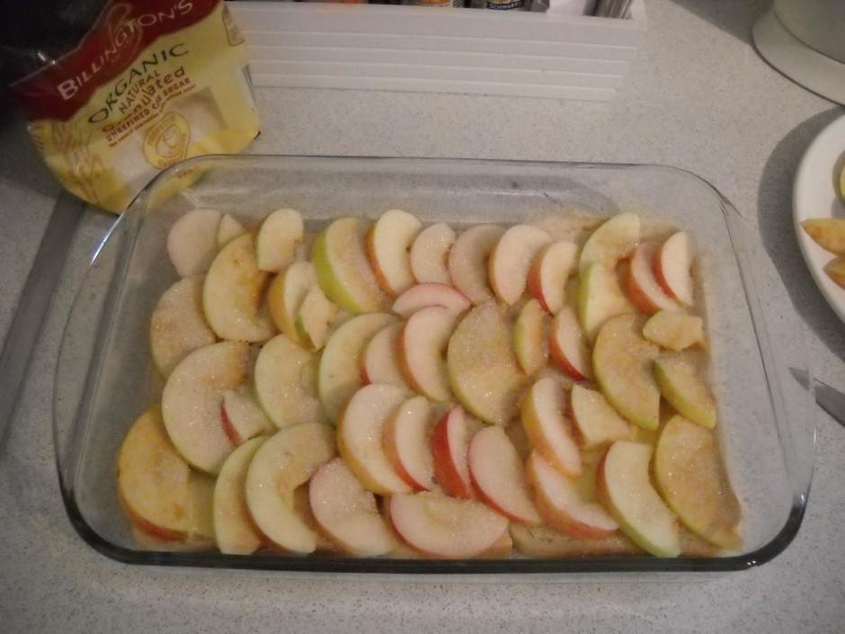 Tad pāri āboliem pārber cukuru.