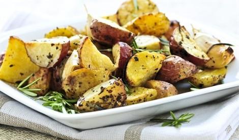Cepti kartupeļi ar dārzeņiem marokāņu gaumē