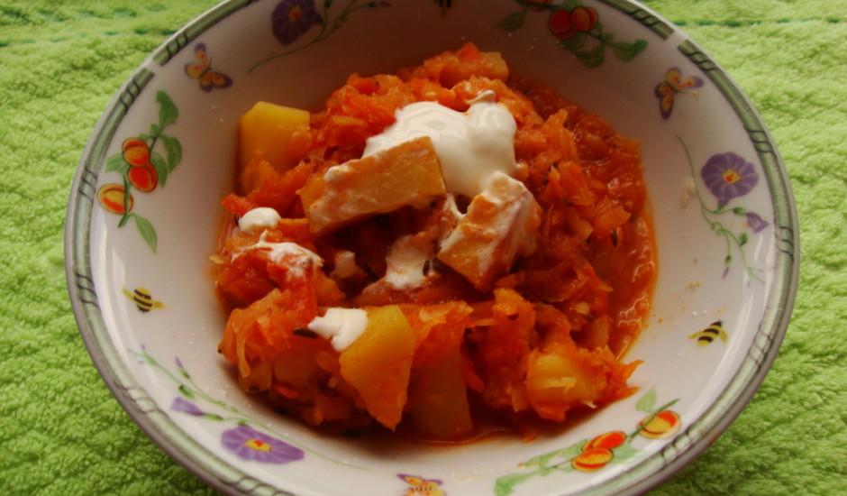 Kartupeļu sautējums pannā
