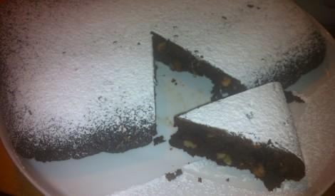 Braunija kūka ar valriekstiem