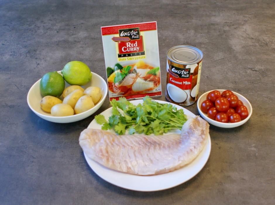 Kartupeļus un zivi sagriež kumosa lieluma gabalos, koriandru...