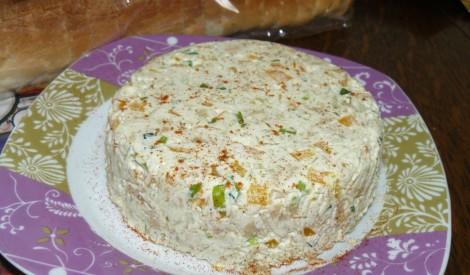 Avokado un svaigā siera krēms