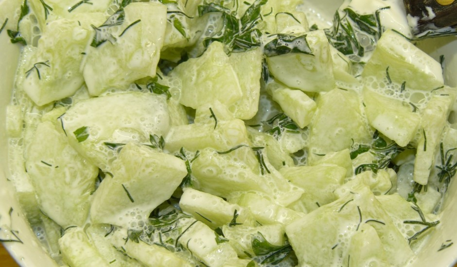 Gurķu salāti ar pētersīļiem