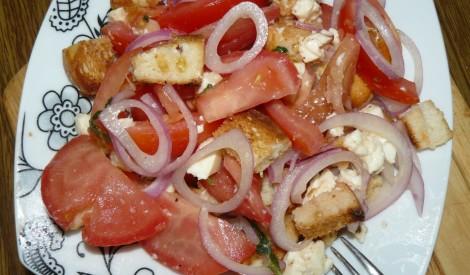 Grauzdiņu salāti ar sieru un tomātiem