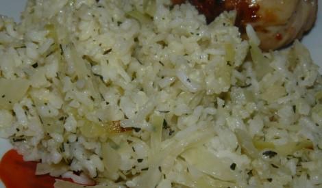 Rīsu un kāpostu sacepums