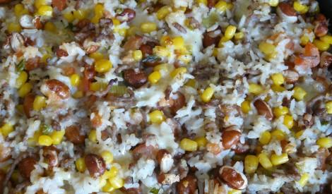 Rīsu sacepums ar malto gaļu un pupiņām