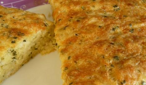 Maize ar sieru un lociņiem