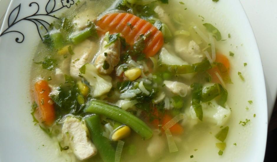 Vistas zupa ar kariju un rīsiem
