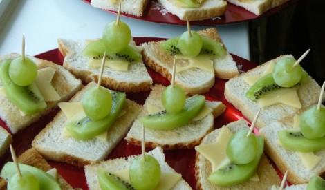 Siera un augļu iesmiņi