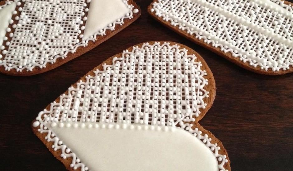 Ziemassvētku piparkūkas ar mežģīnēm