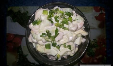 Garneļu salāti ar avokado un olām sievas gaumē
