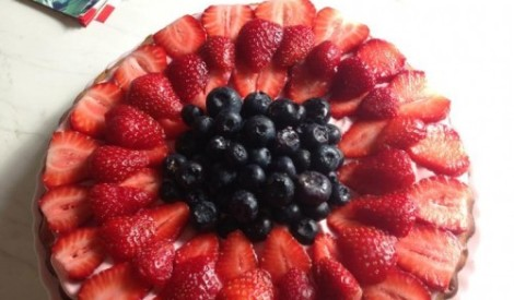 Zemeņu deserta kūka
