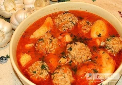 Maigie liellopu gaļas tefteļi ar kartupeļiem