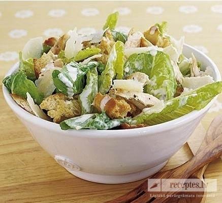 Cēzara salāti ar cāļu gaļu