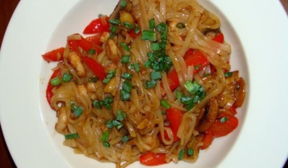 Rīsu nūdeles ar garnelēm