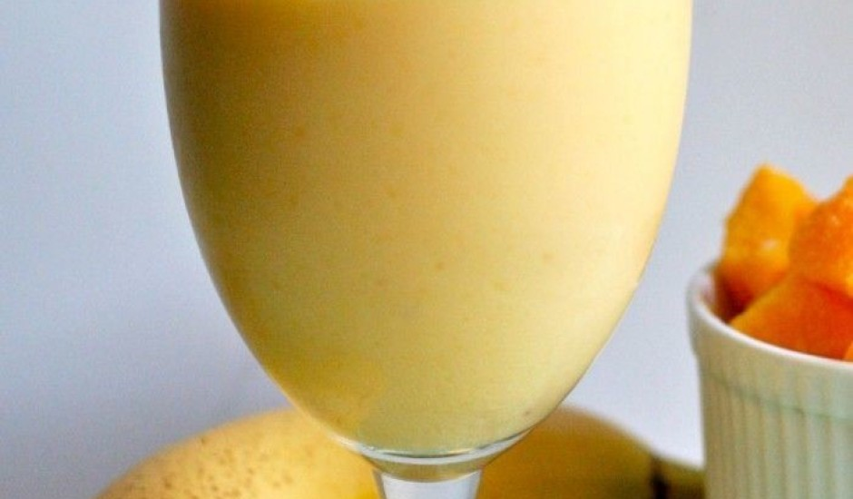 Banānu - apelsīnu piena kokteilis