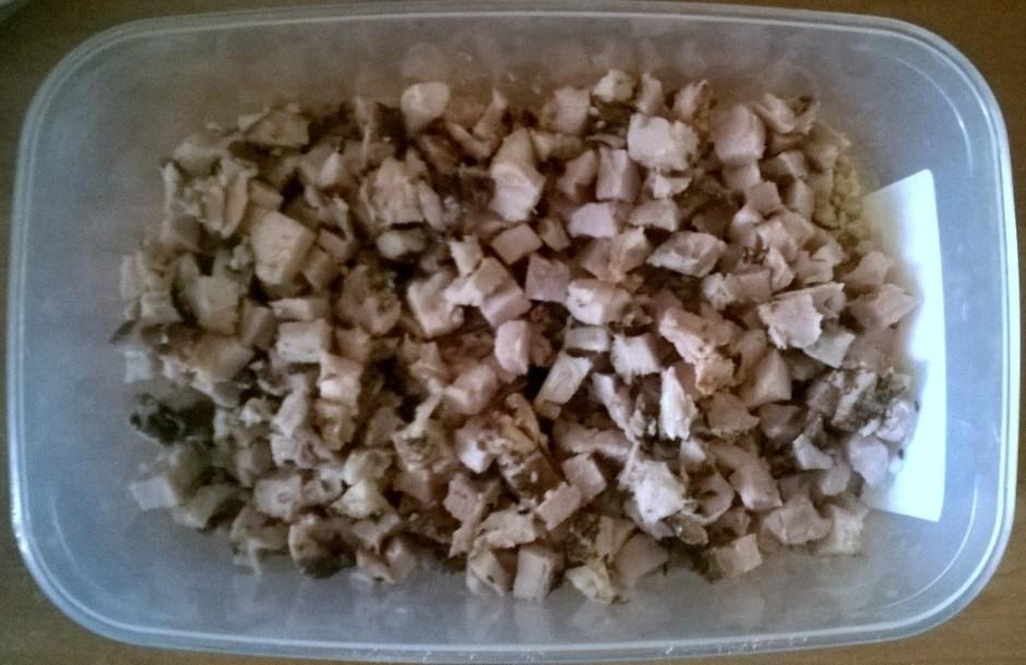 Pieber sasmalcinātus, grauzdētus, sālītus Indijas riekstus.