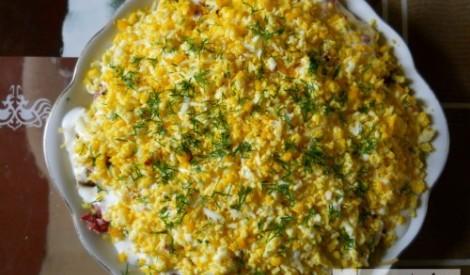 Pikantie - kārtainie salāti
