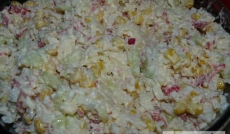 Vienkāršie krabju salātiņi