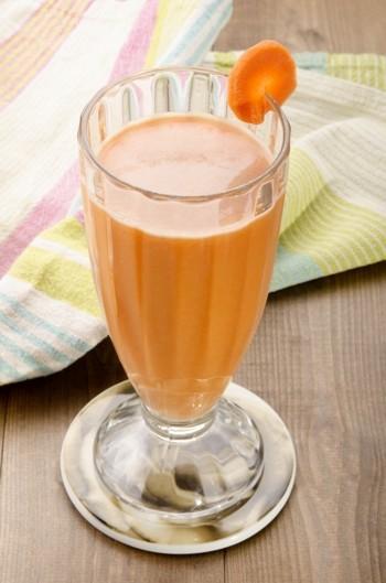 Veselīgs burkānu veselības dzēriens