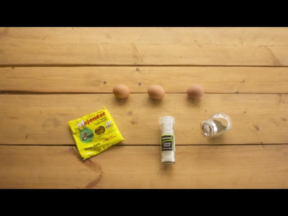 Vāra olas, pievienojot ūdenim lielu šķipsnu sāls. (Aptuveni...