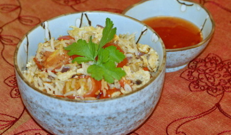 Cepti rīsi ar olu un dārzeņiem