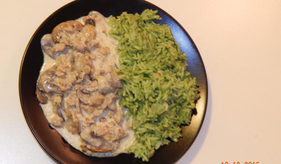 Rīsi ar spinātiem un sēņu mērce no Skaidrā