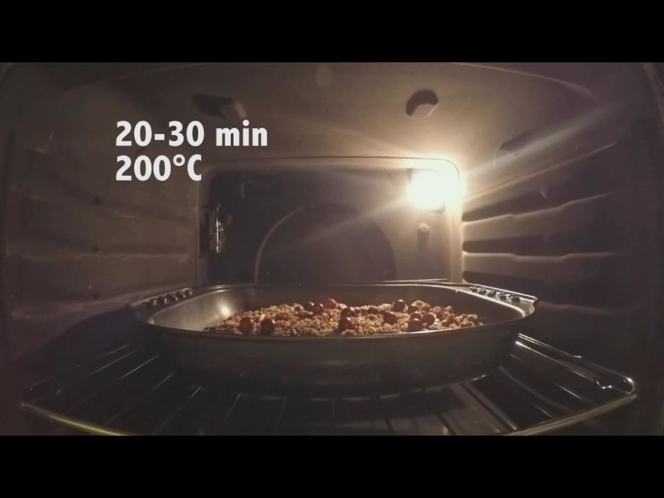 Liek cepeškrāsnī uz 20-30 minūtēm, uz 200 grādiem.