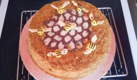Medus kūka  ''Bitīte''