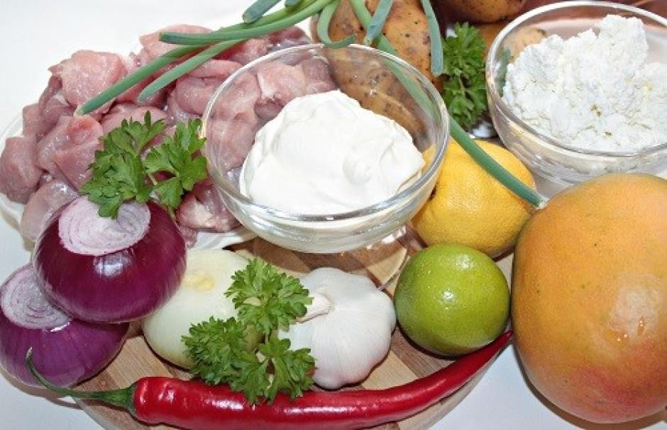 Liek vārīties kartupeļus mundierī līdz tie gatavi (vārīsies...