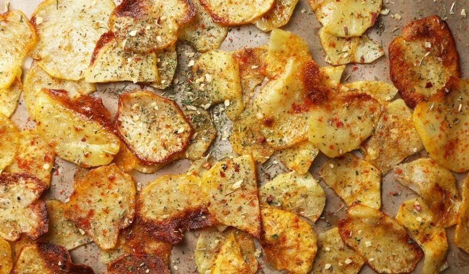 Kartupeļu čipsi mikroviļņu krāsnī